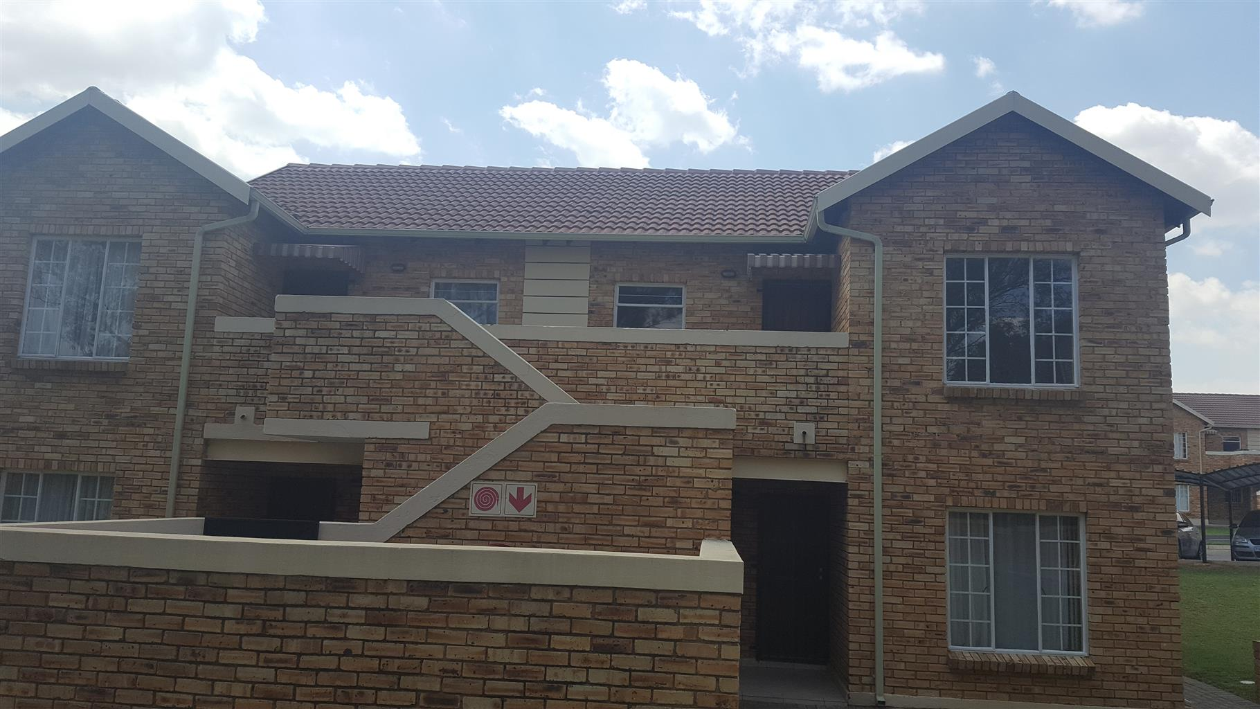 Dazzling 2 Bedroom townhouse available in Honeydew