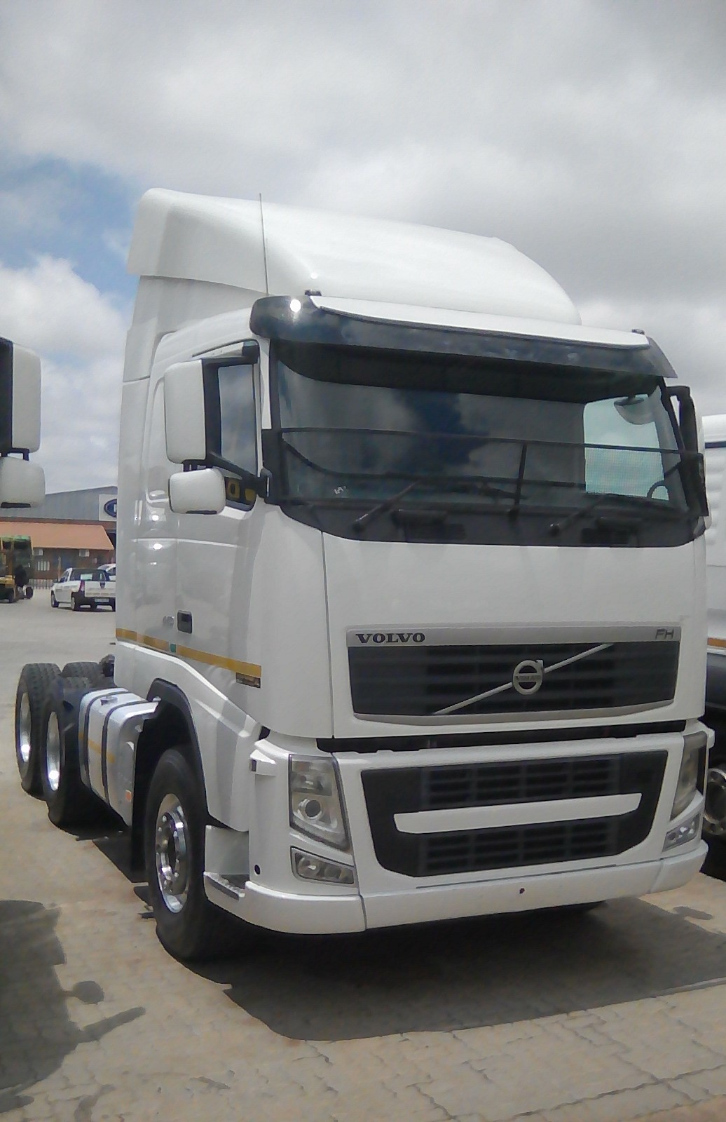 exclusive incredible volvo deals at aztosys truck and trailer sales