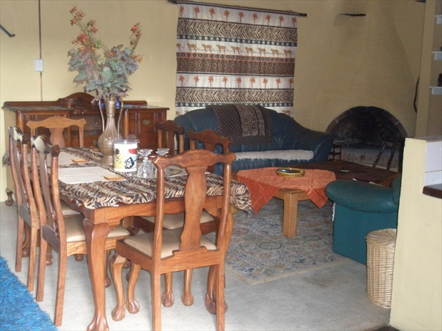 Cosy 2 bedrooms cottage on plot in Mooiplaats,  private, save, pets friendly!