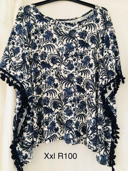 Blue flowered xxl blouse