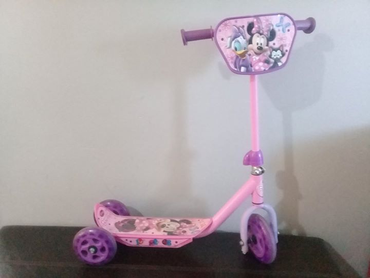 Small girls minnie mouse scooter for sale