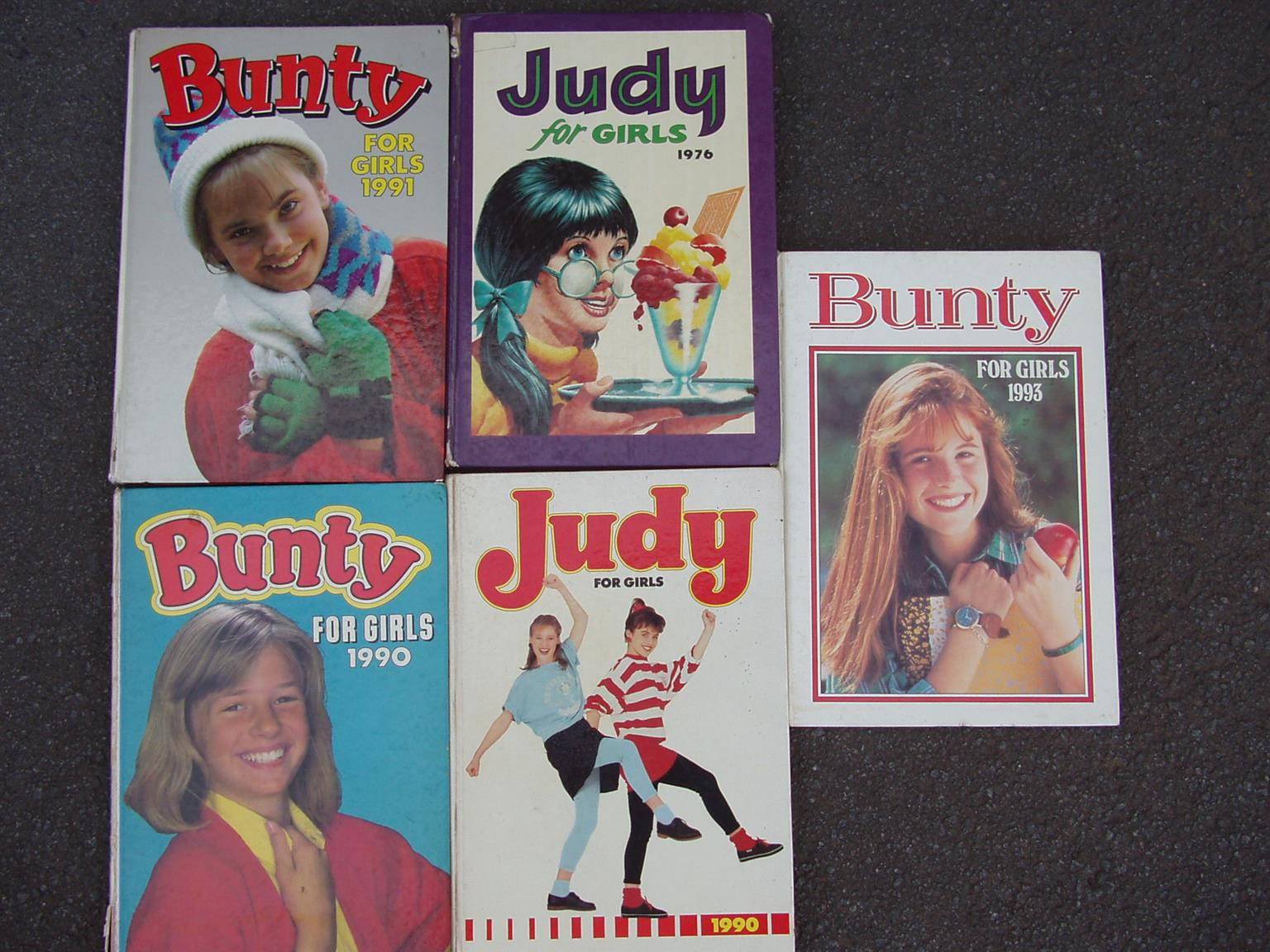 Bunty & Judy for Girls - 3 Bunty annuals and 2 Judy for girls - R 650