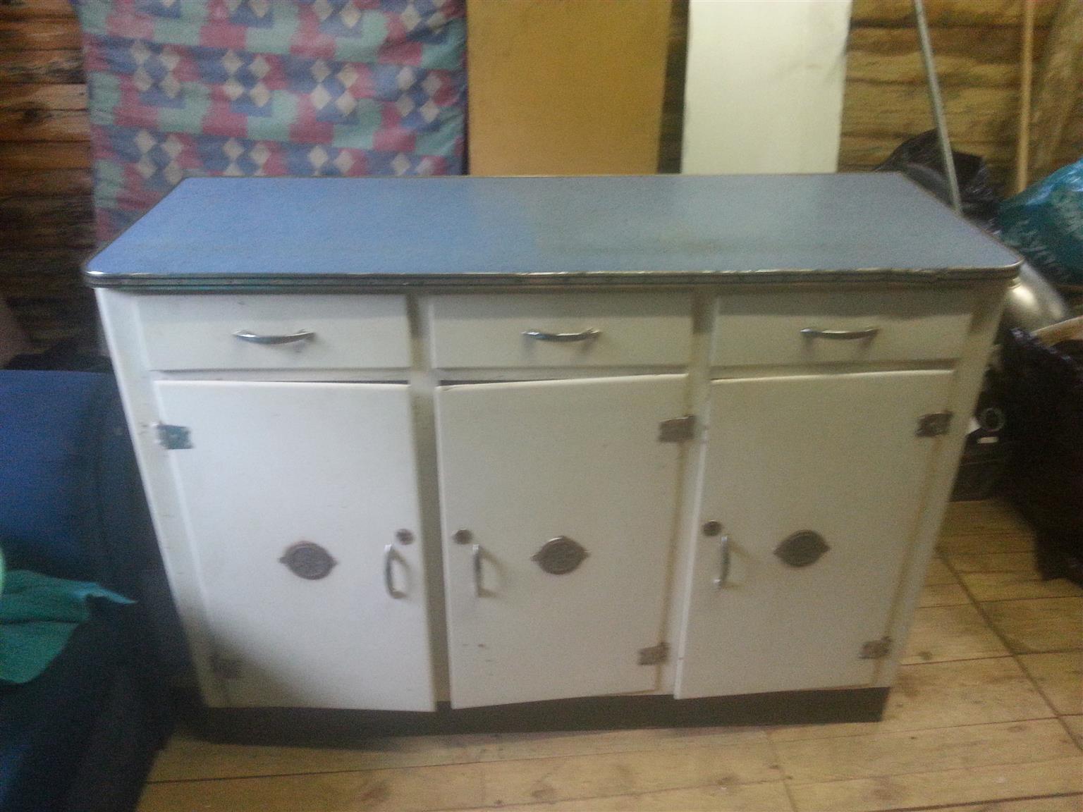 Kitchen 3 door Cabinet - Supra wood - Nice condition