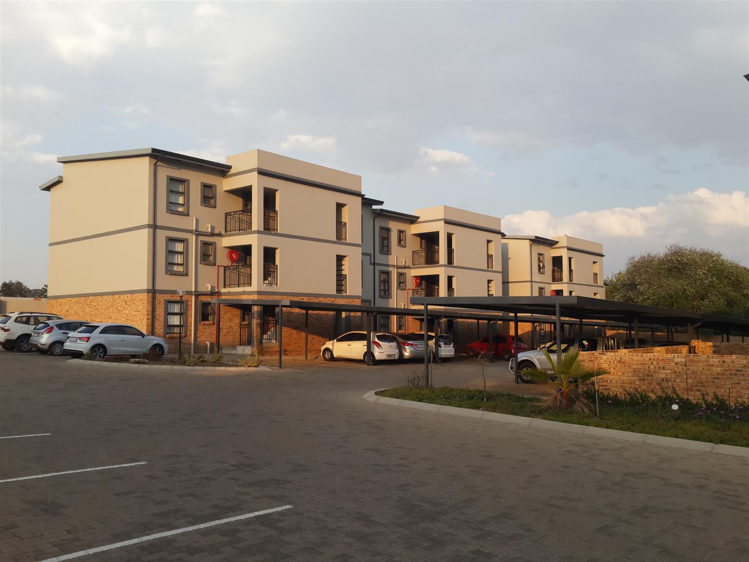 NEW APARTMENTS 2 bedrooms and 2 bathrooms for sale Benoni Rynfield / Fairlead