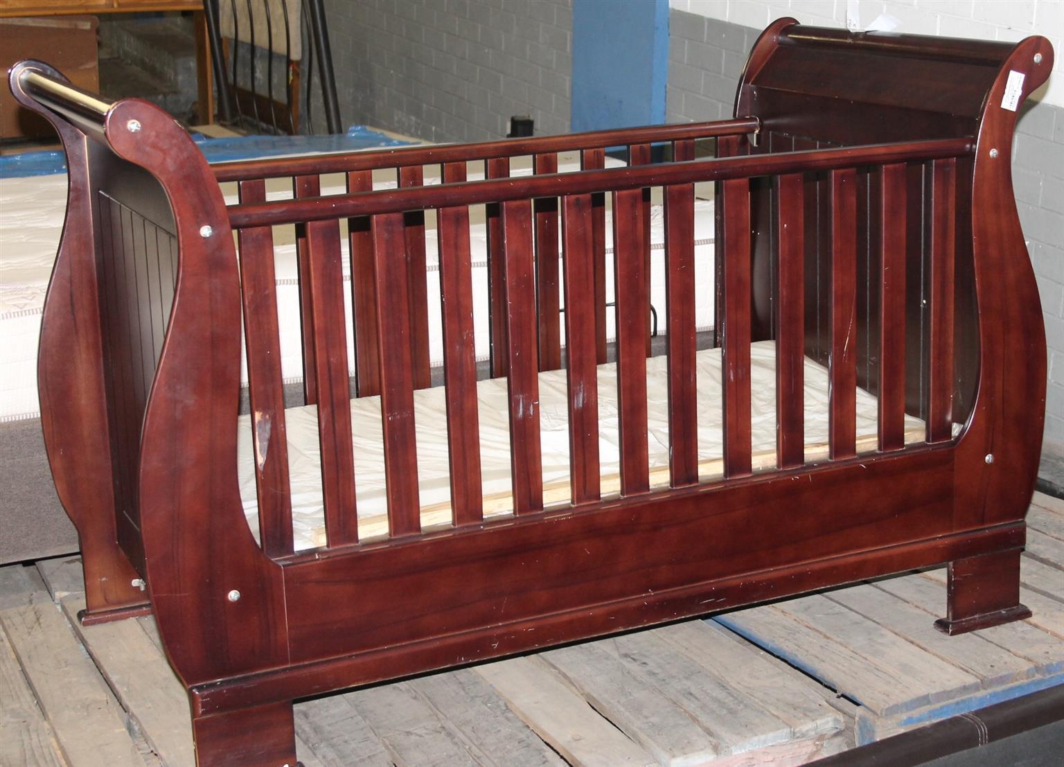 Wooden baby cot S027857a #Rosettenvillepawnshop