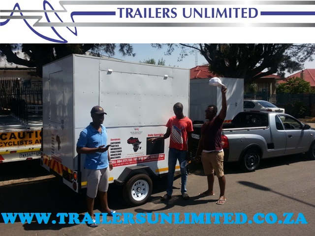 TRAILERS UNLIMITED MAKING CLIENTS ECSTATIC.