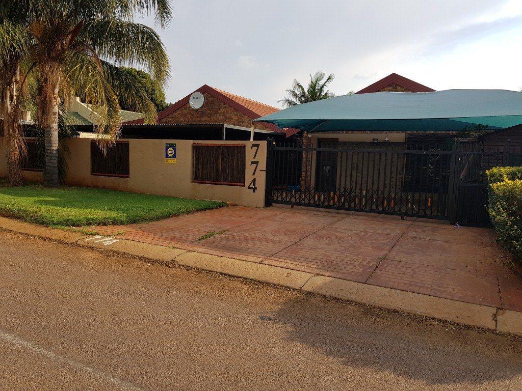 HOUSE IN DOORNPOORT