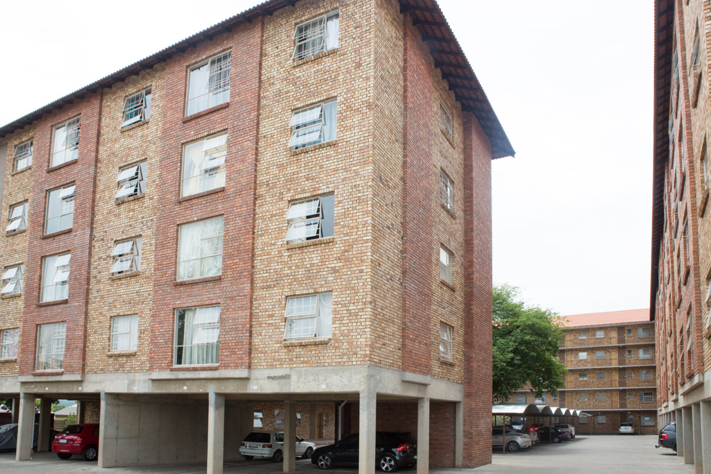 2 BEDROOM MODERN FLATS TO RENT IMMEDIATELY