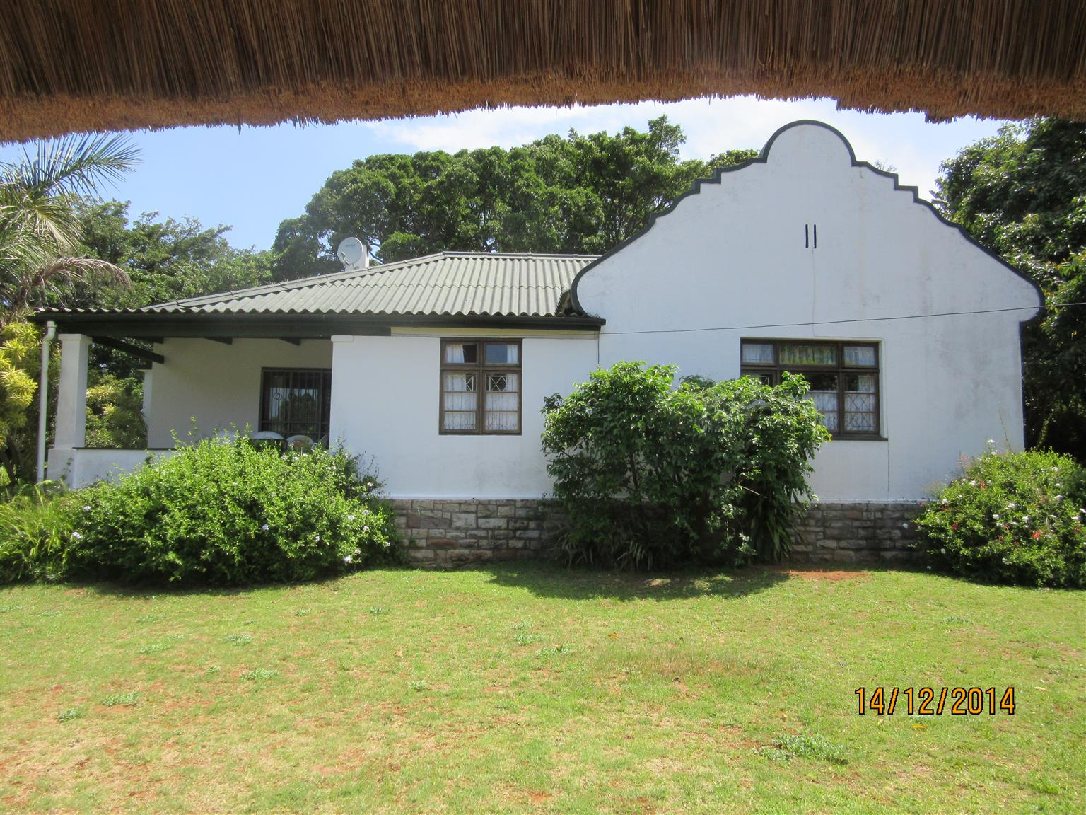 FULLY TENANTED DUTCH GABLE 4 BEDROOM HOUSE FOR SALE PLUS SEPARATE ONE BEDROOM COTTAGE UMTENTWENI R990,000
