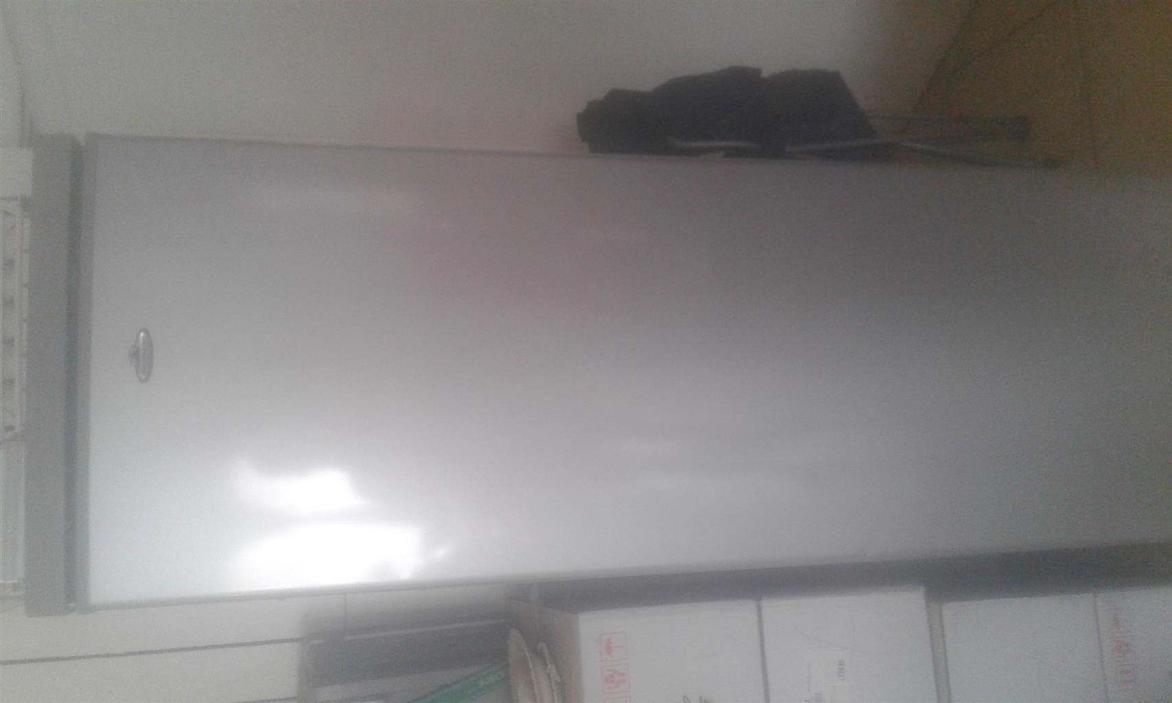 silver kelvinator fridge 360 liter
