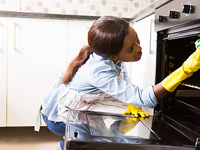 I'M A SOUTH AFRICAN DOMESTIC WORKER. I'M LOOKING FOR A JOB. STAY OUT/PART TIME JOB