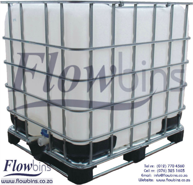 1000L Flowbin Tanks / IBC: Square plastic tank in galvanized steel frame from R700