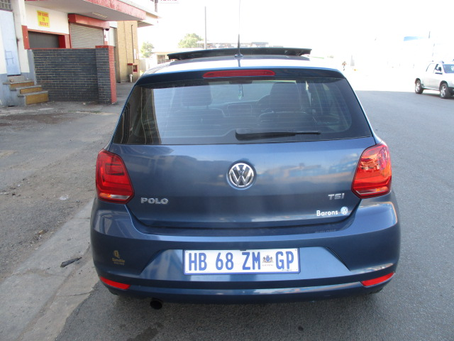 2016 Volkswagen polo hatch 1.2tsi comfortline, panoramic roof
