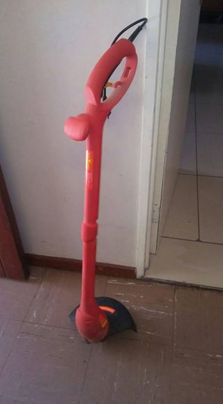 Garden edge trimmer only used ones