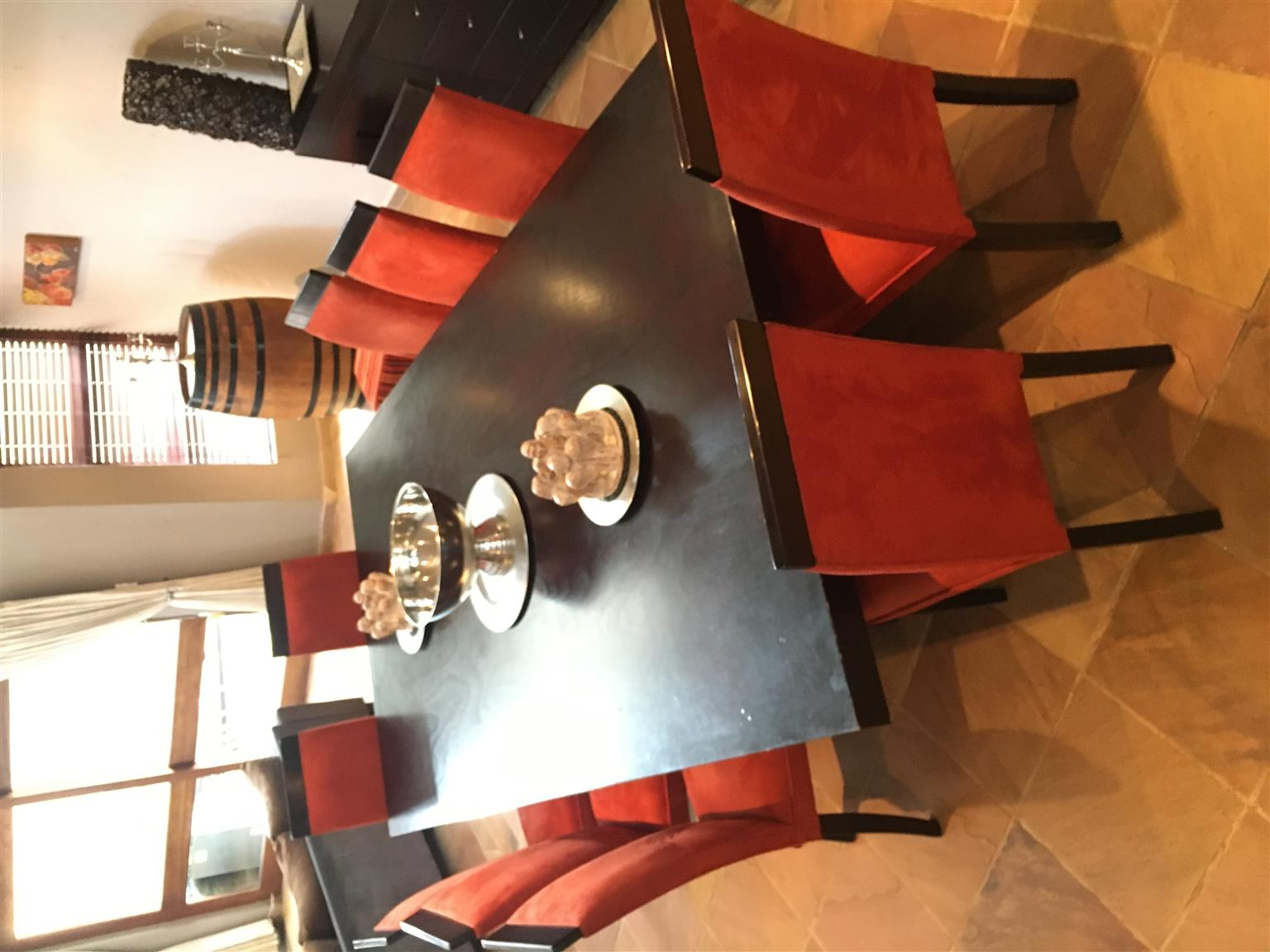 10 Seater Diningroom suite with Sideboard