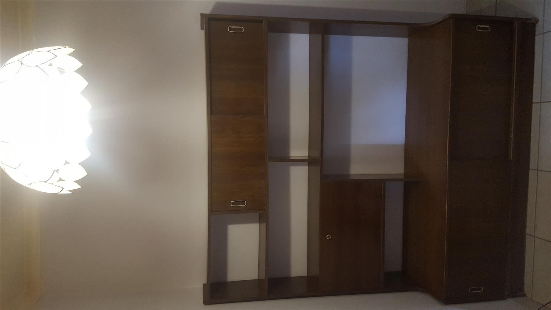 Wall Unit for sale | Junk Mail