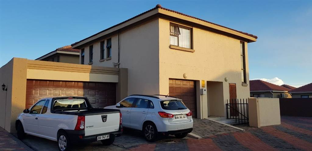 3 bedroom townhouse Secunda