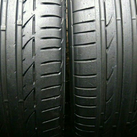 Pair of 225/40/19 Runflat tyres