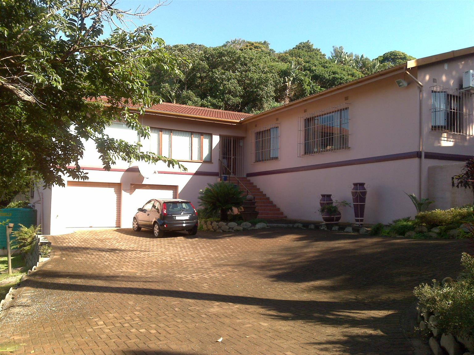 House on Kwazulu Natal South Coast to swop for similar size house in Centurion /Johannesburg North or Johannesburg West area.