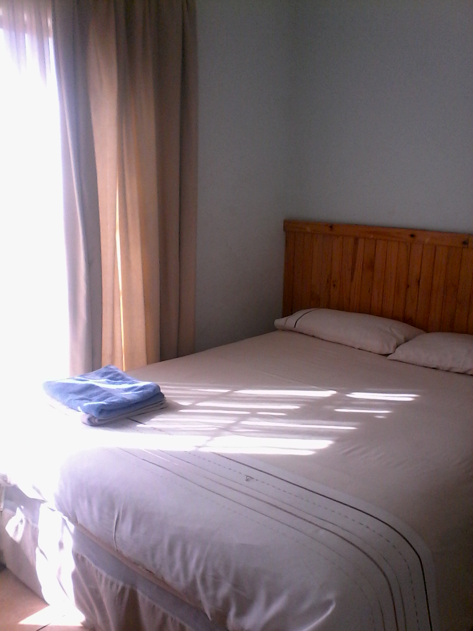 A FURNISHED ROOM IS AVAILABLE FOR A SINGLE PERSON AT SINOVILLE NEAR WONDERBOOM  AIRPORT