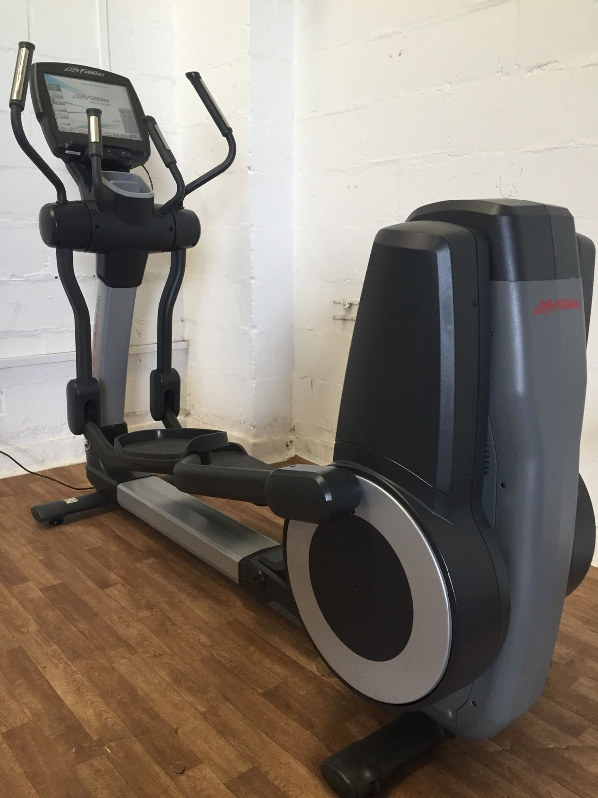 Life Fitness 95X Engage Cross Trainer **Cleaned and Serviced**