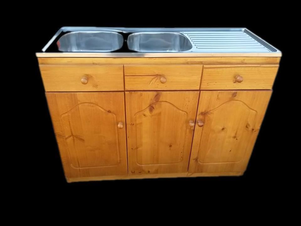 3 Door cabinet with double sink