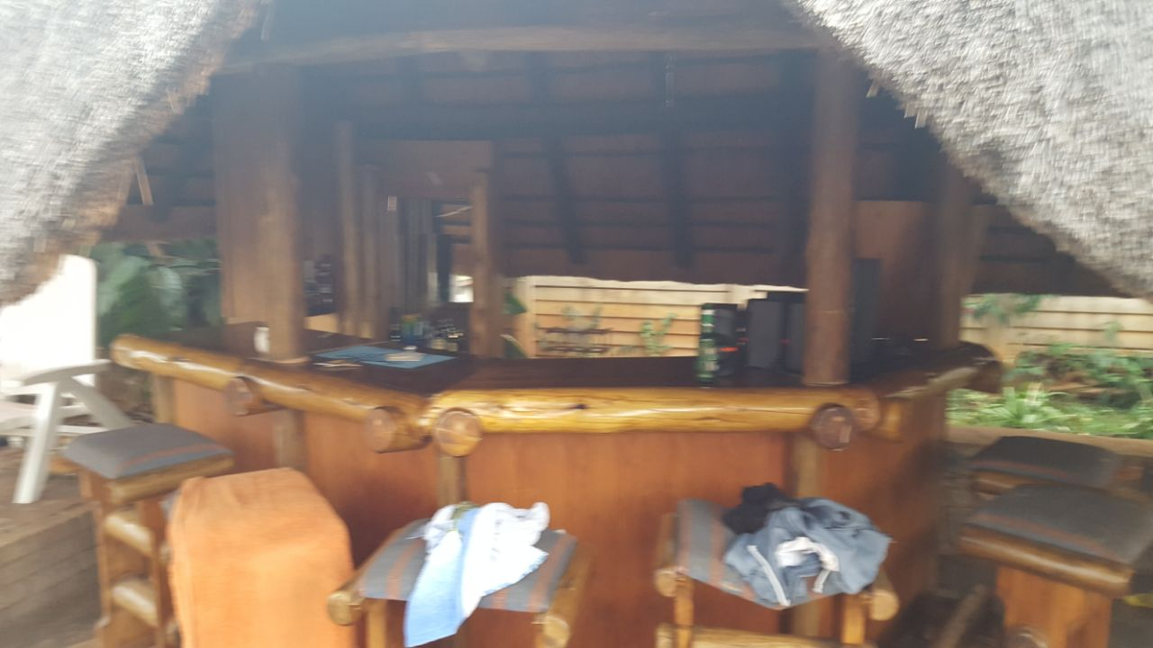 Restaurant Furniture Gauteng : Sitplek sleeper hout bar te koop junk mail