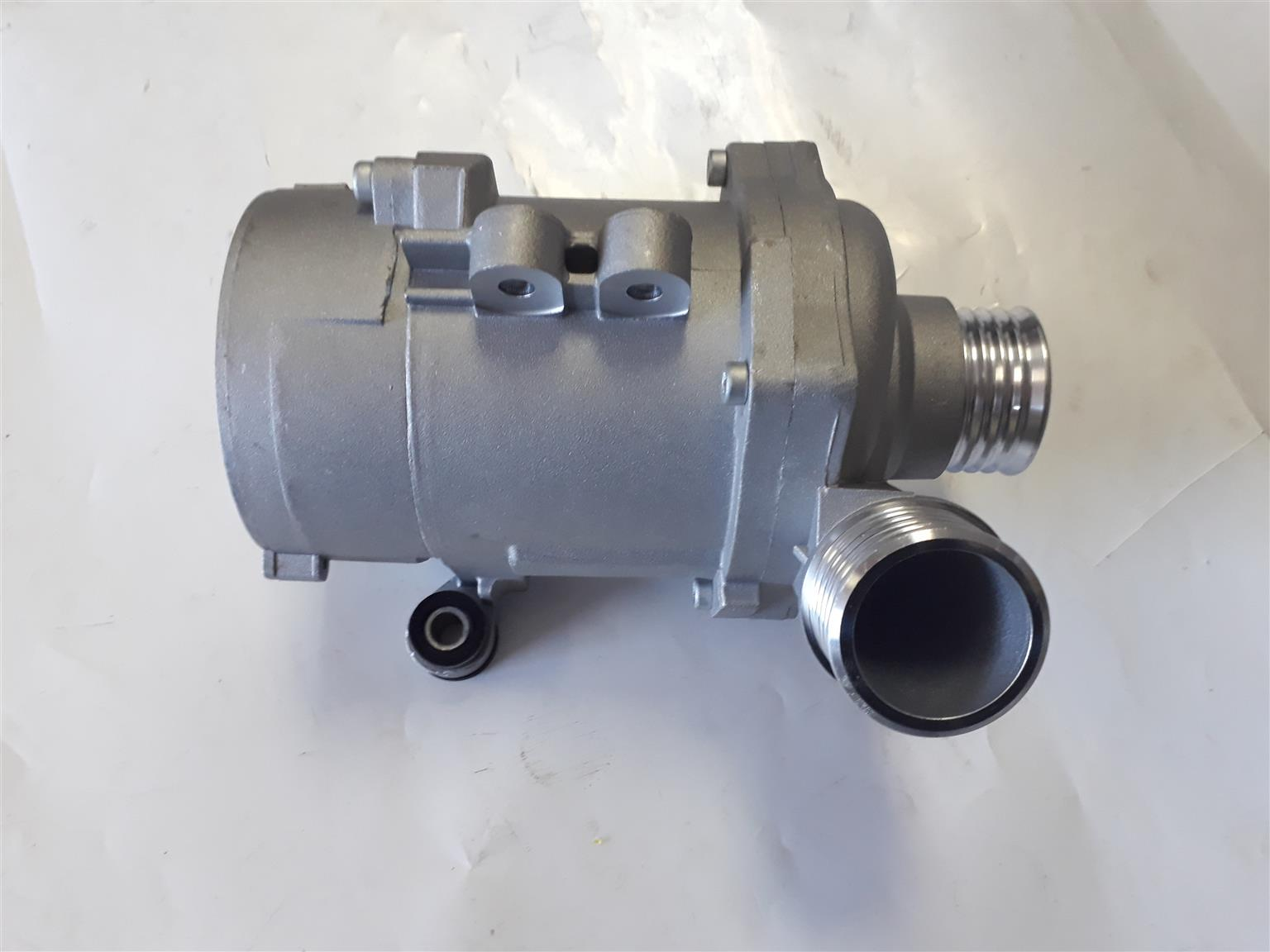 E90/E87/E92 Water Pump For Sale