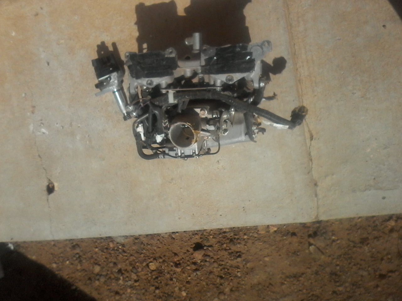 97 Mazda  drifter electronic distributor & manifold + fuel injectors to stop for a smartphone