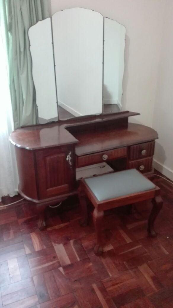 Imbuia bedroom set - 5 piece