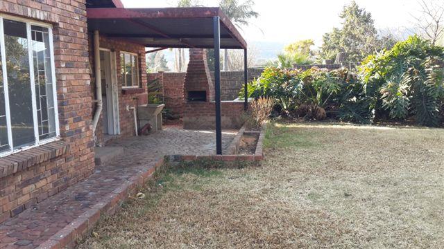 Nice Spacious 2 Bedroom Garden Flat in Daspoort