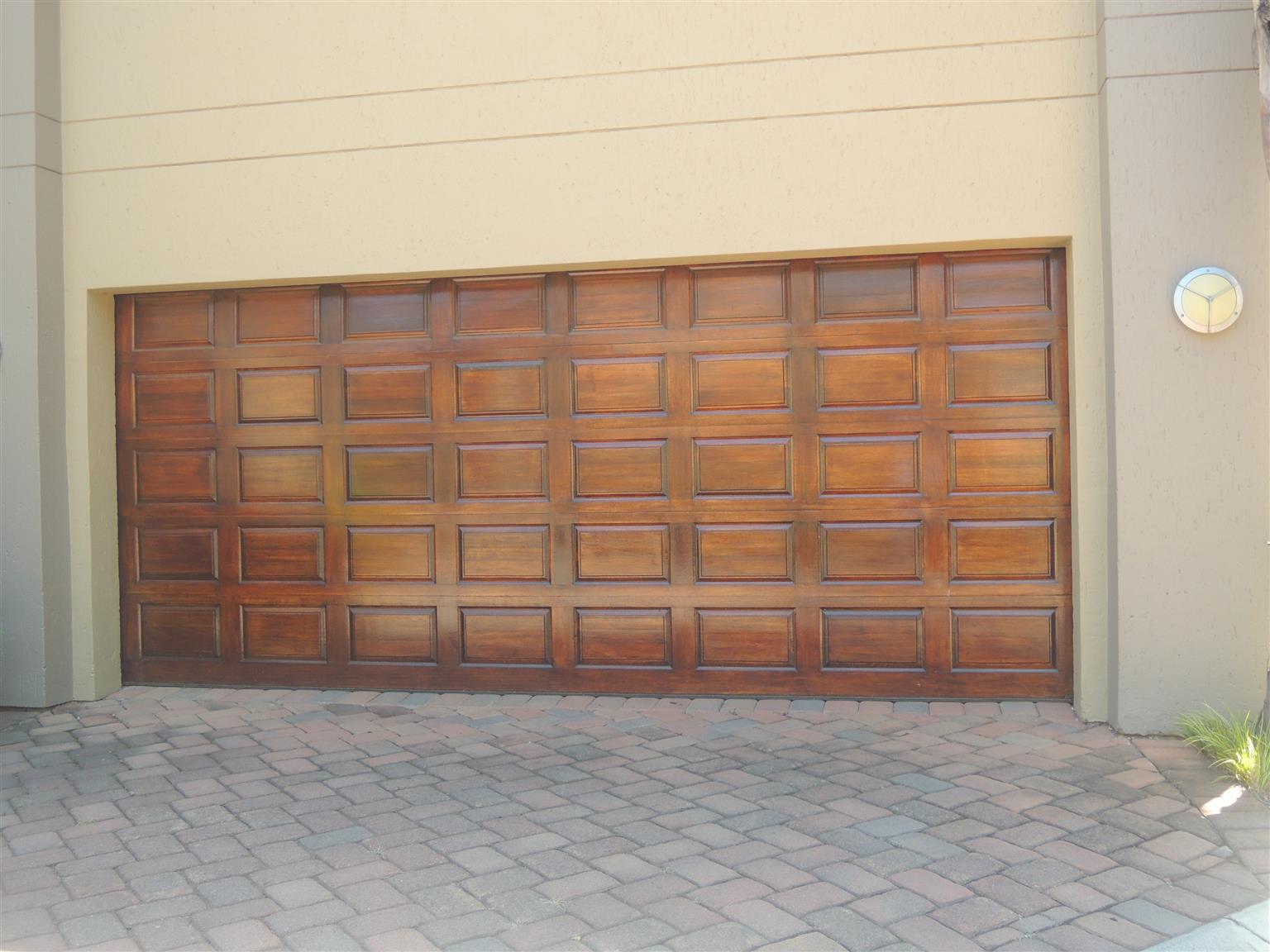 Roller Shutter Doors Aluminum Garage Wooden Garage Doors