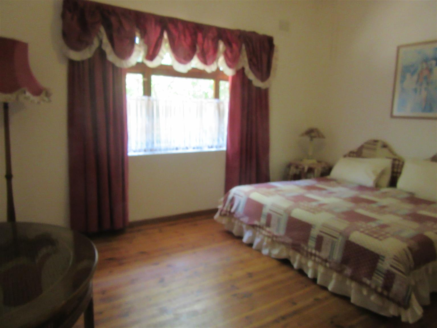 SO MUCH POTENTIAL EXCELLENT INVESTMENT HOUSE + COTTAGE INCOME A 100% BOND & UTILITIES TWENI R990,000