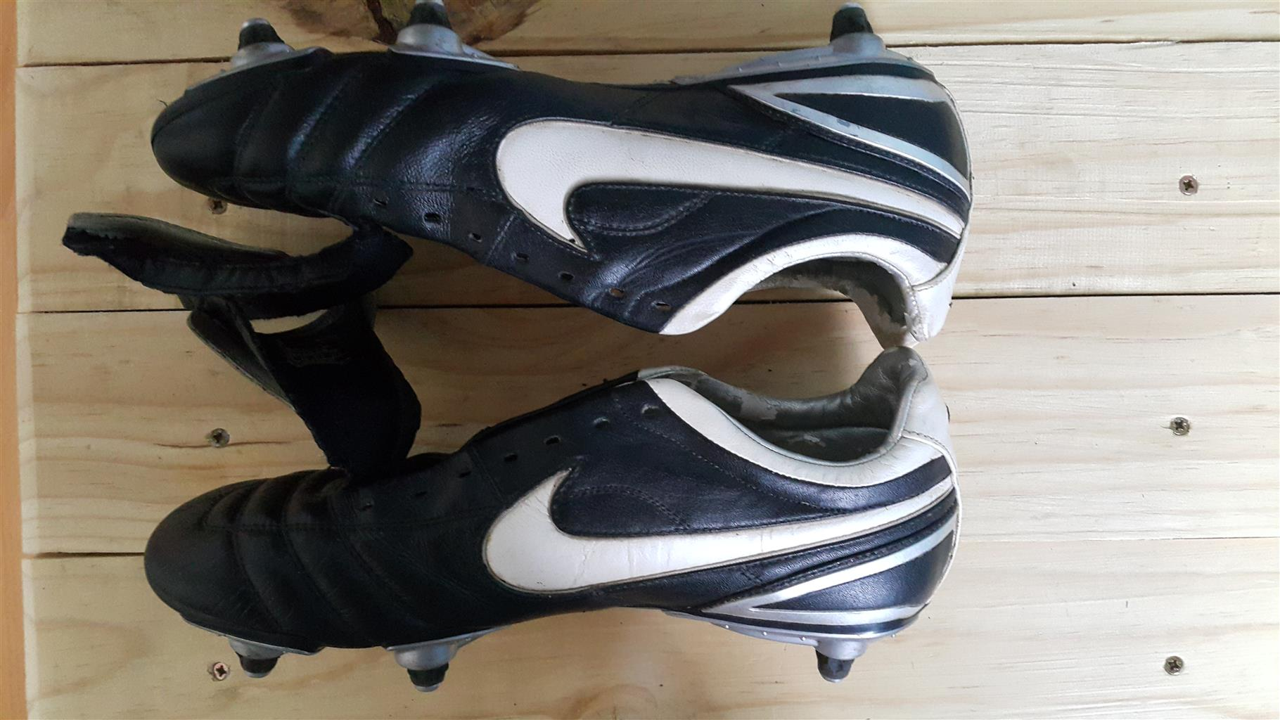 outlet store 0dbf5 a2f4a Nike Tiempo Air Legend Zoom V2 6 stud   Junk Mail