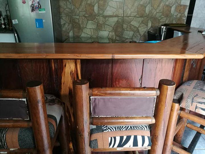 Sleeper Bar met stoele