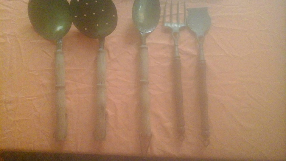 Old utensil set