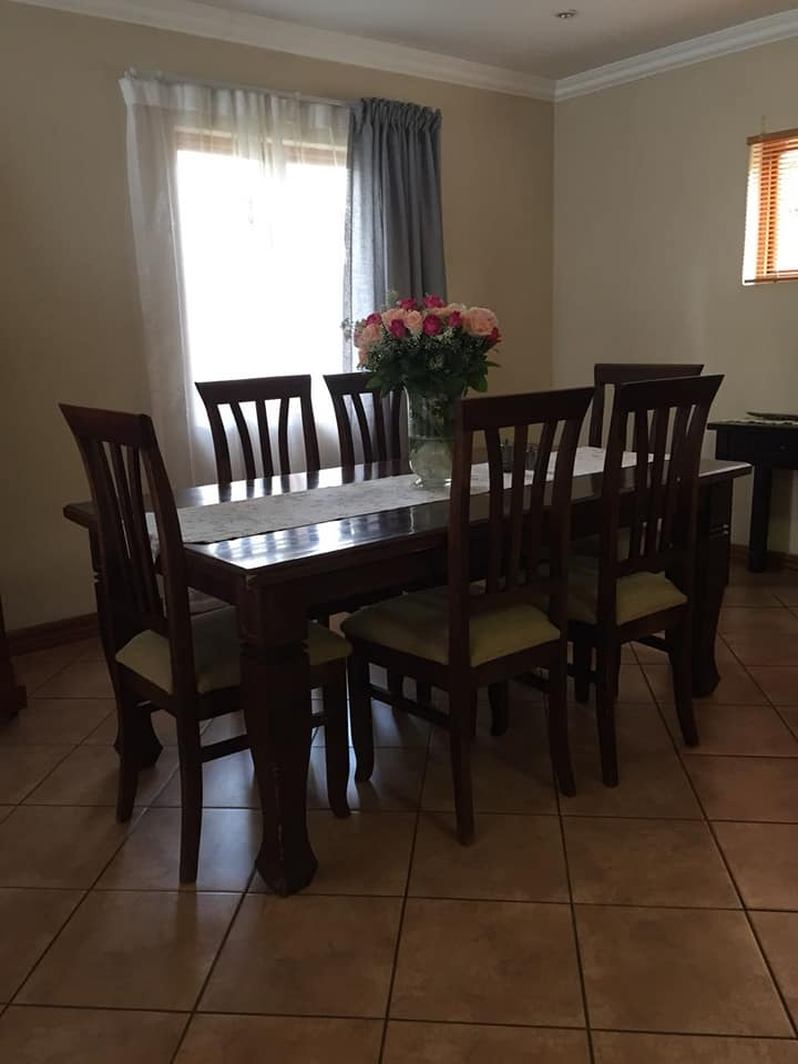 R 5 000 For Sale 6 Seater Rochester Furniture Dining Room