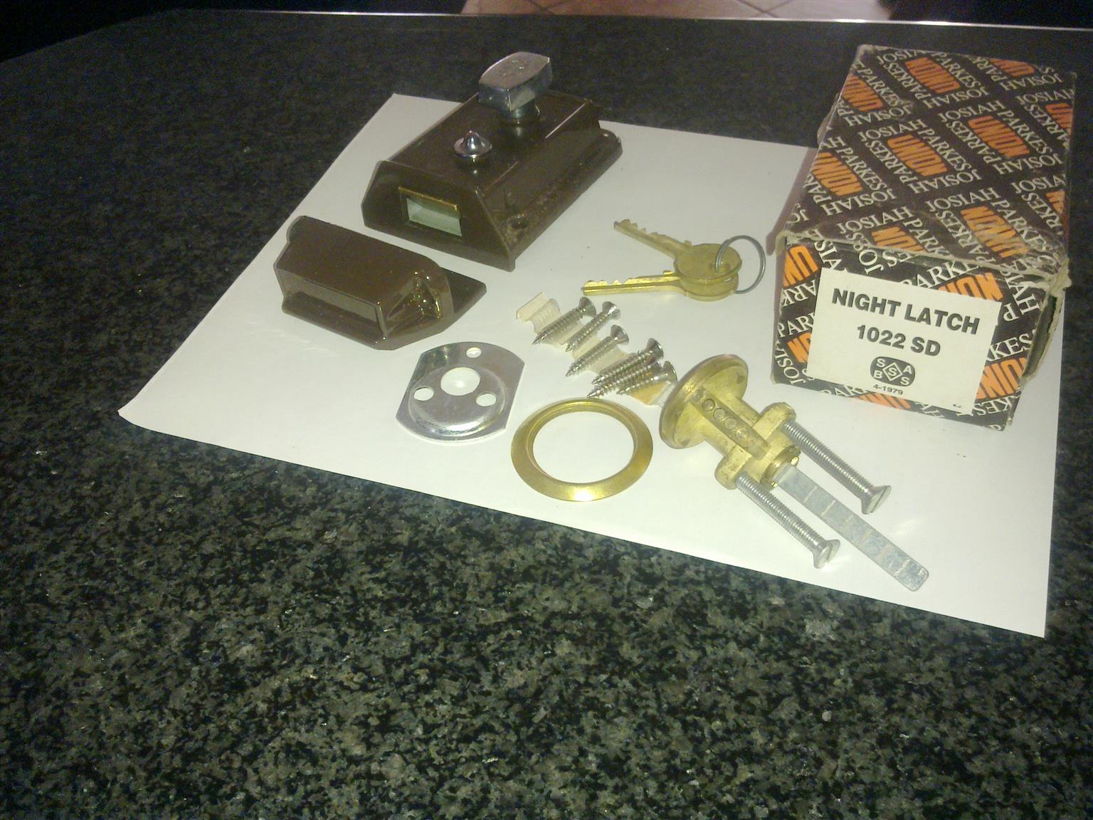 BRAND NEW QUALITY UNION DOOR YALE LOCKS FOR SALE