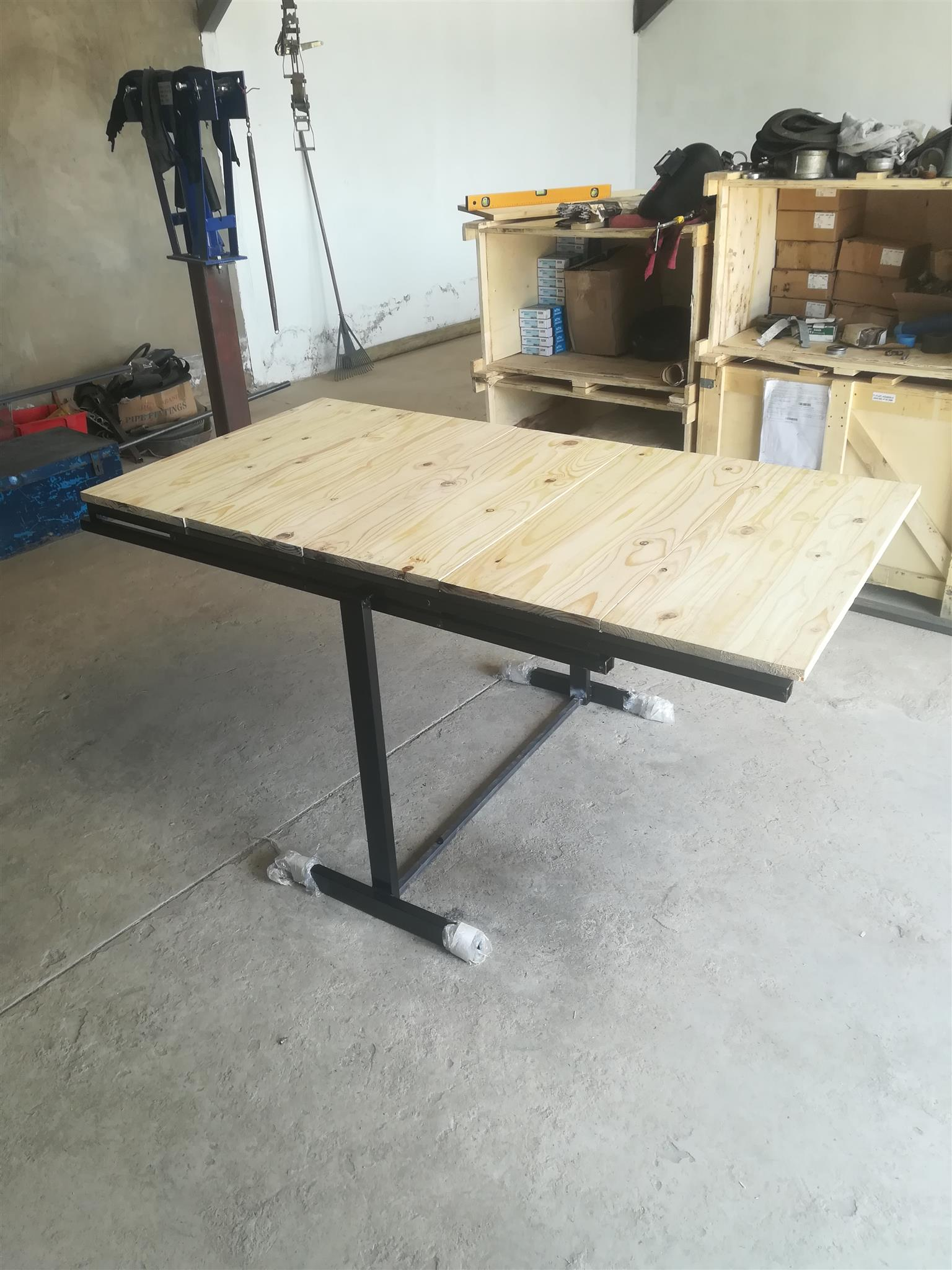 Foldable tables/shelves an work stations