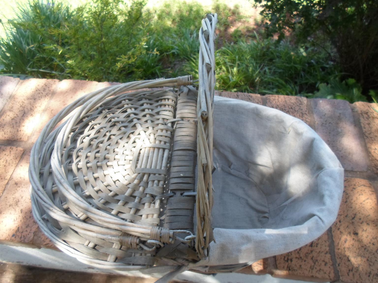 Gazeboo and Picnic Basket