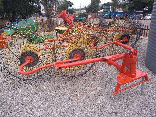 S2687 Red BPI 4 Wheel Rake / 4 Tol Hark (4098) New Implement