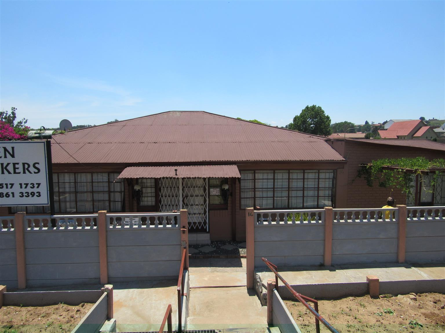House, 2 flats and business for sale