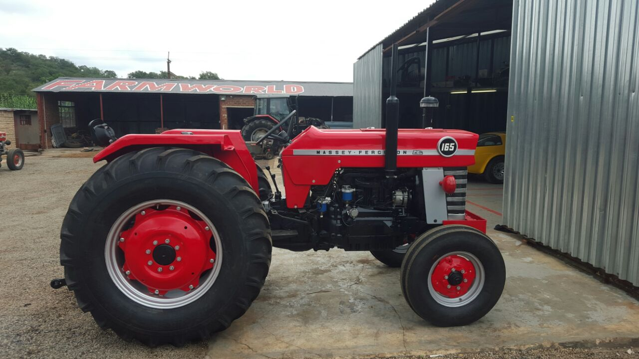 S3049 Red Massey Ferguson (MF) 165 45kW 2x4 Pre-Owned Tractor