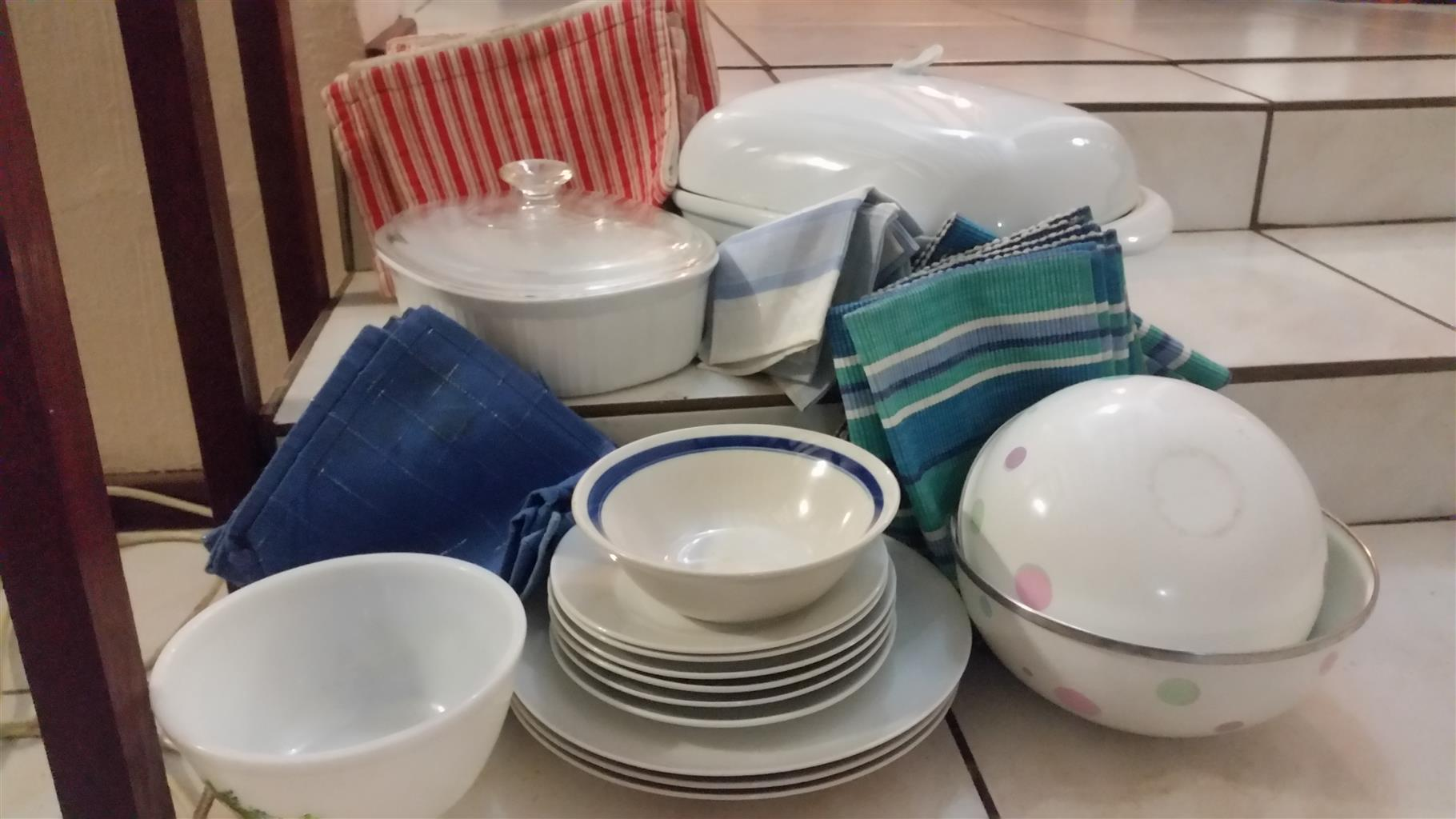 Oven Casserole dishes, plates - plus....
