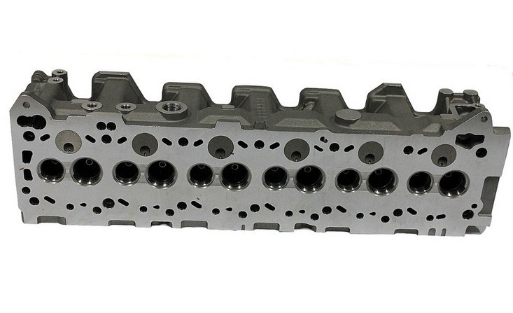 NISSAN RD28 CYLINDER HEADS