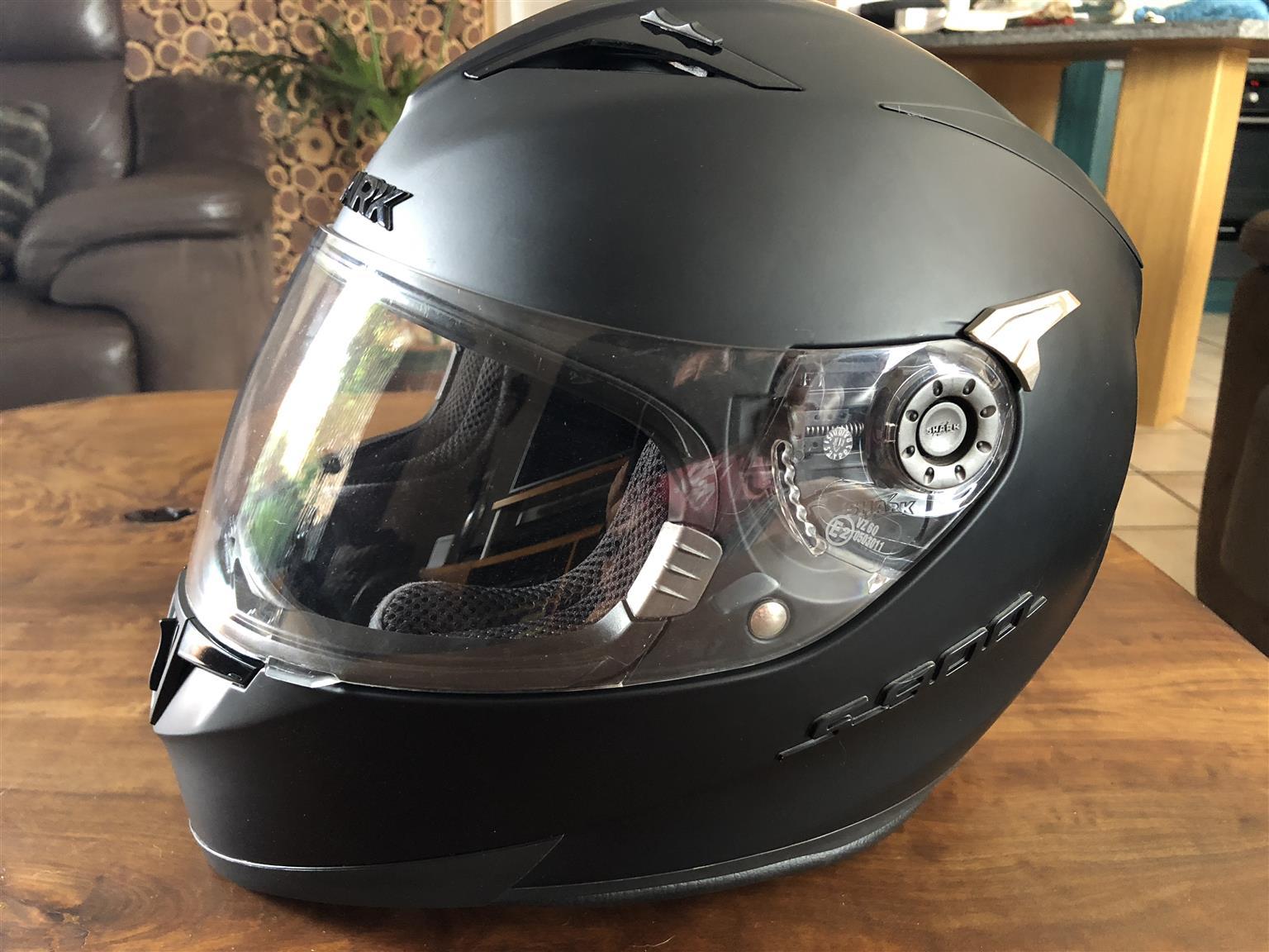 Shark Helmet S900