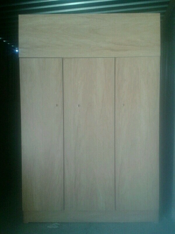 3 Door wardrobe  in difftent colours