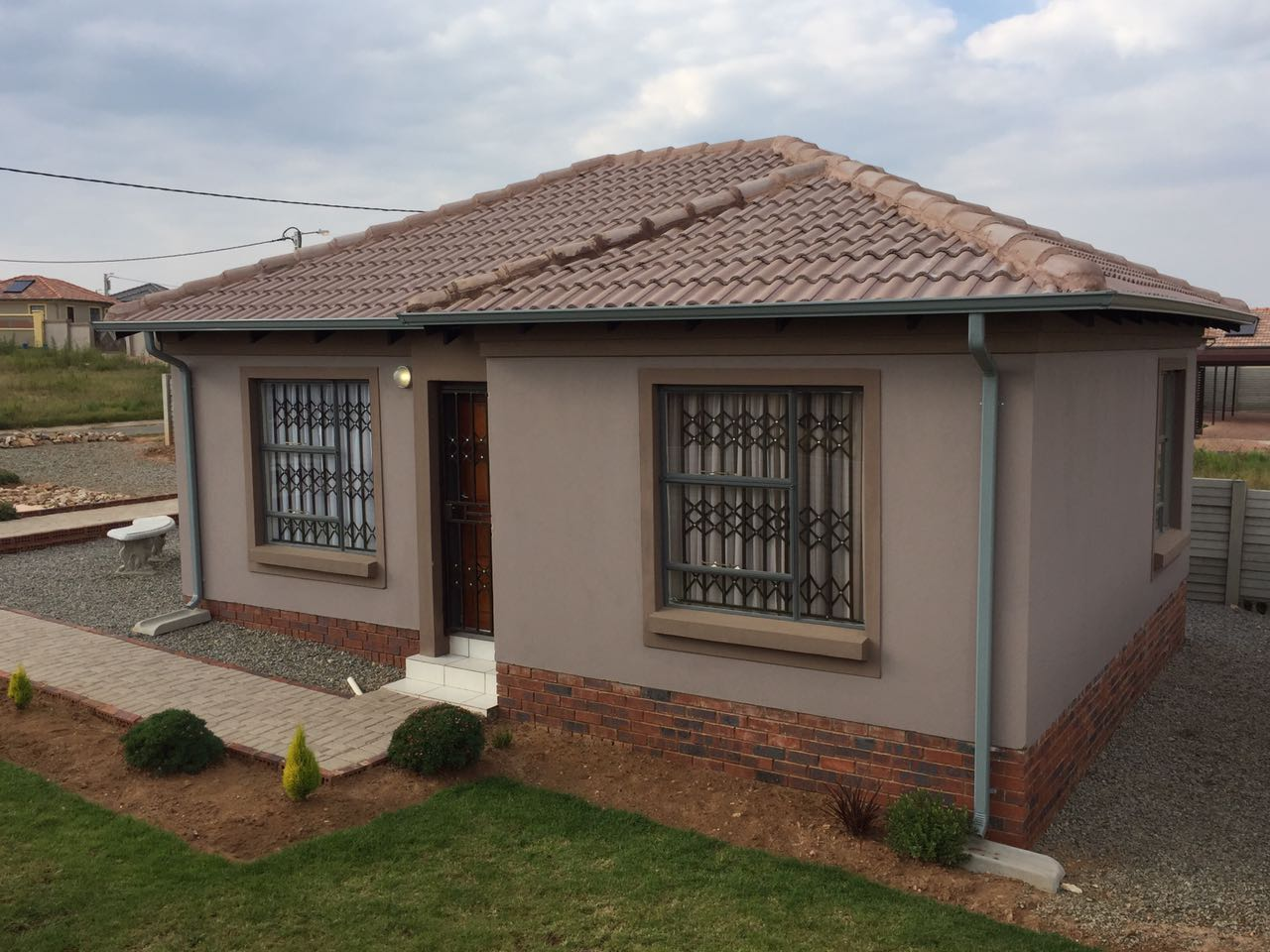 Affordable houses and apartments in Roodepoort