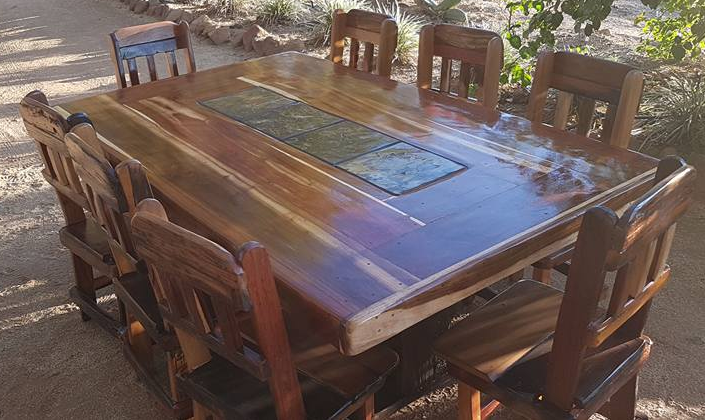 8 SEATER DINNER TABLE