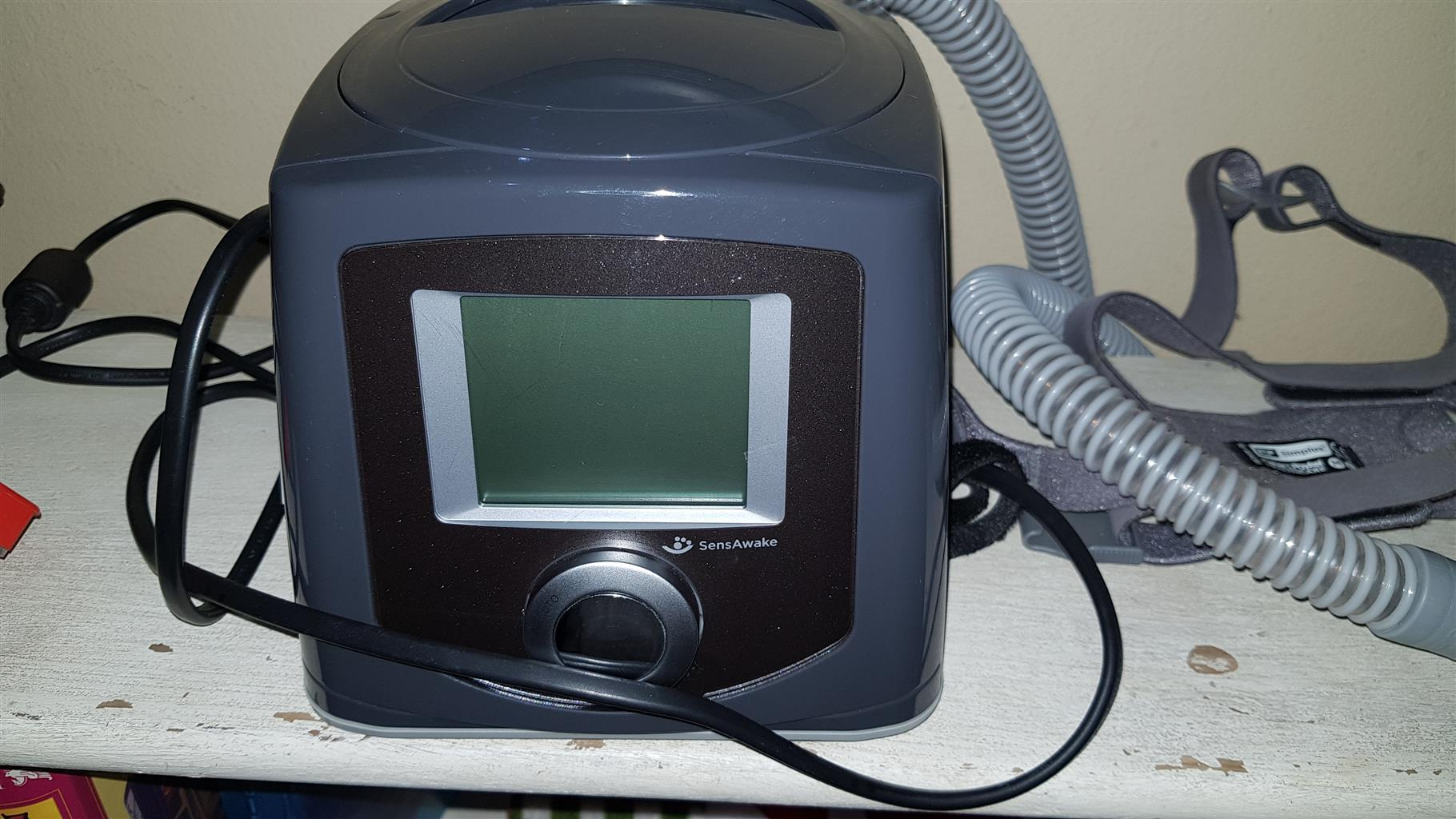Fisher and Paykel Icon Auto CPAP machine with Simplus full face mask med